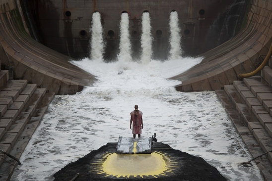 Lauren  Nikrooz - MATTHEW BARNEY - RIVER OF FUNDAMENT