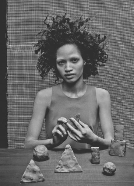 Lauren  Nikrooz - RIOT OF PERFUME